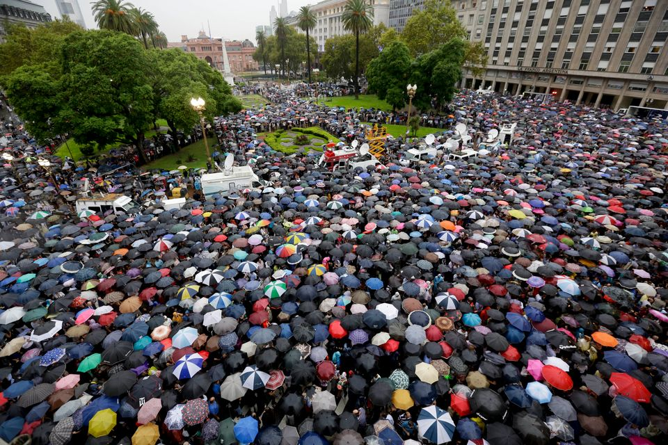 People gather in Plaza de Mayo to demand answers from the government in the mysterious death of prosecutor Alberto Nisman one