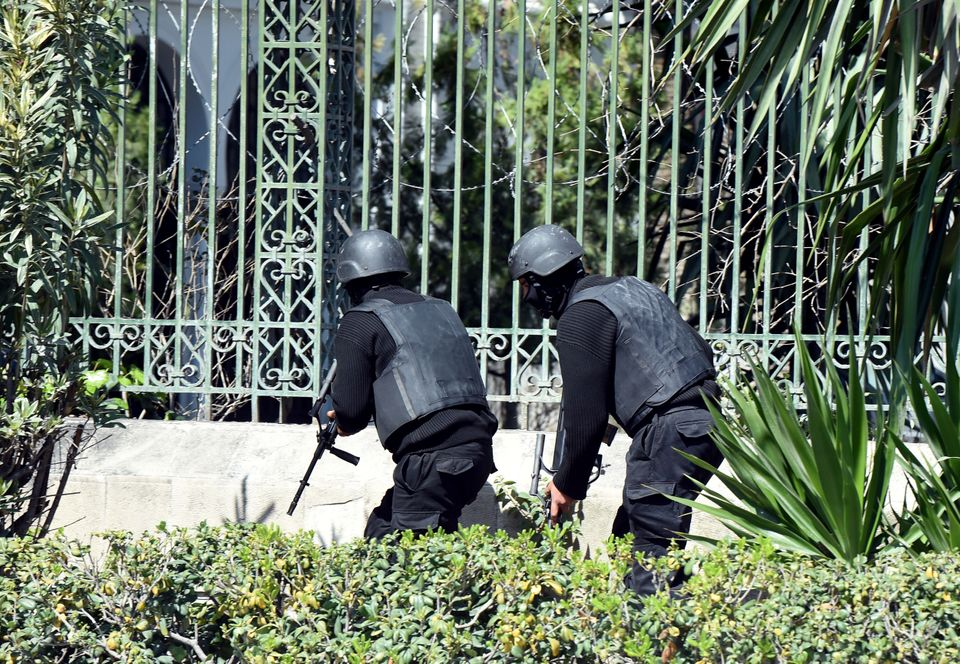 Tunisian security forces secure the area after gunmen attacked Tunis' famed Bardo Museum on March 18, 2015. (FETHI BELAID/AFP