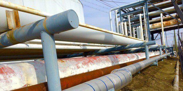 Oil Refinery Pipelines In Marcus Hook Pennsylvania  1/23/2015