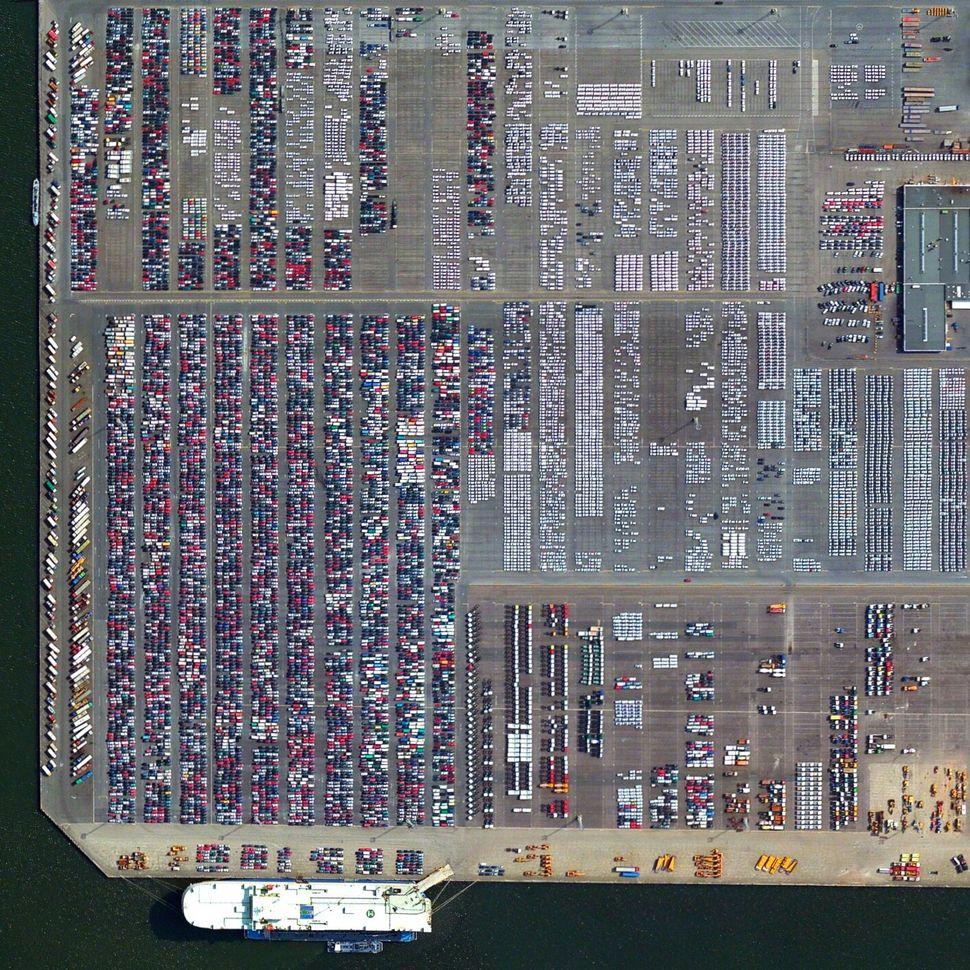 <strong>Port of Antwerp, Belgium</strong>