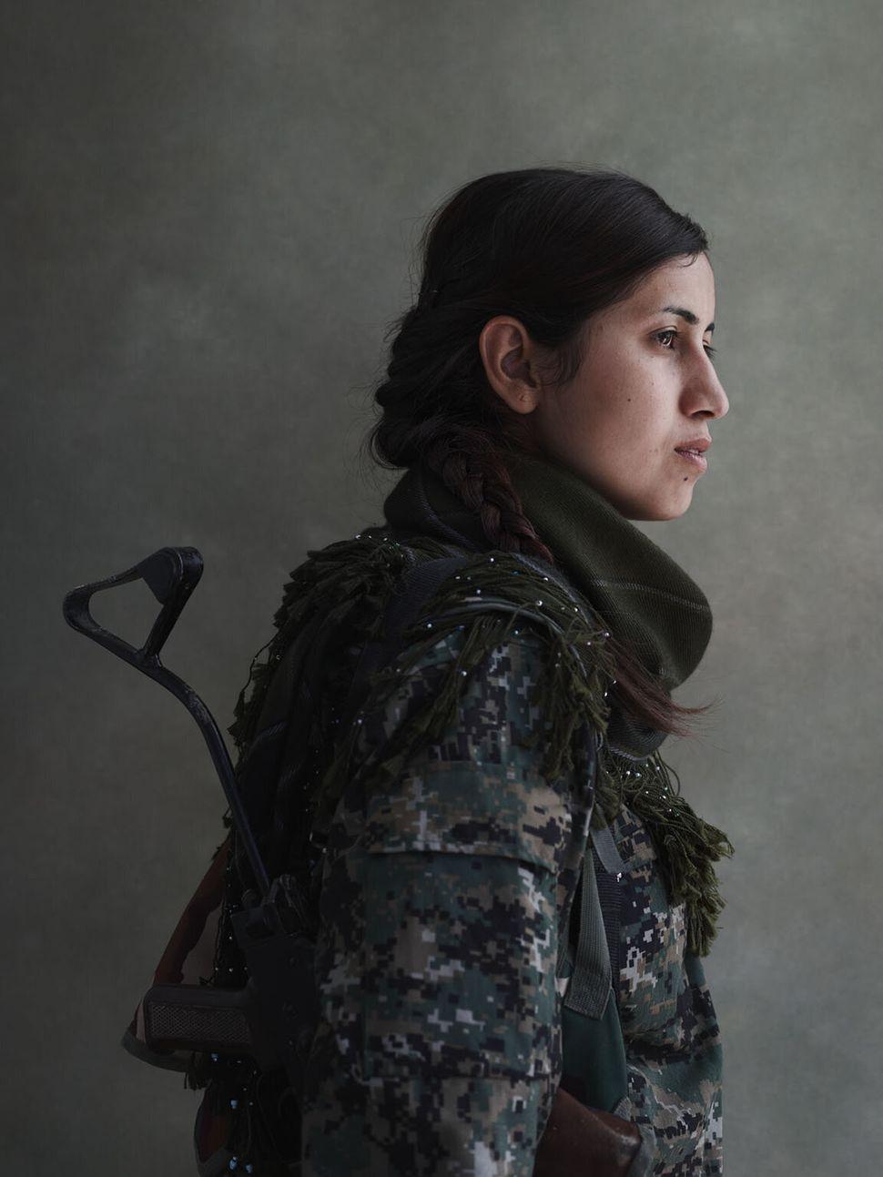 Women of the YPJ: Dilan.