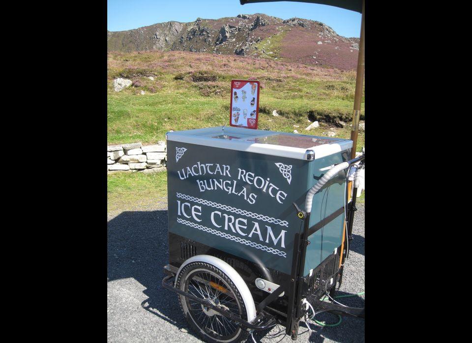 An Irish-language ice cream cart, in the Irish-speaking Gaeltacht region. Donegal, Ireland.