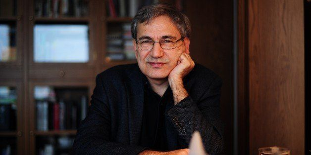 TO GO WITH AFP STORY BY PHILIPPE ALFROY  Turkish Nobel laureate author Orhan Pamuk poses during an interview at his house in