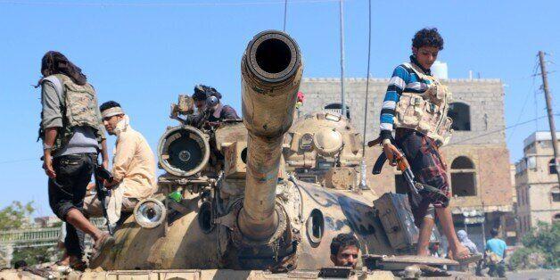 TAIZ, YEMEN - NOVEMBER 16: Members of the Yemeni Popular Resistance forces fight against Houthis in Wadi Al Dahli region in T