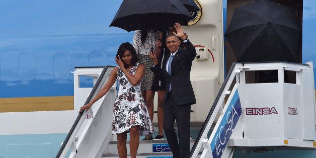 HAVANA, CUBA - MARCH 20:  First lady Michelle Obama, President Barack Obama, Malia Obama and Sasha Obama arrive at Jose Marti