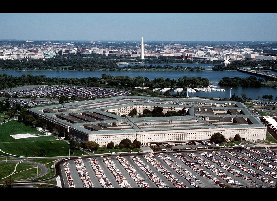 """On Sept. 11, 1941, ground <a href=""""http://pentagon.osd.mil/history.html"""" target=""""_hplink"""">was broken </a>on the construction"""