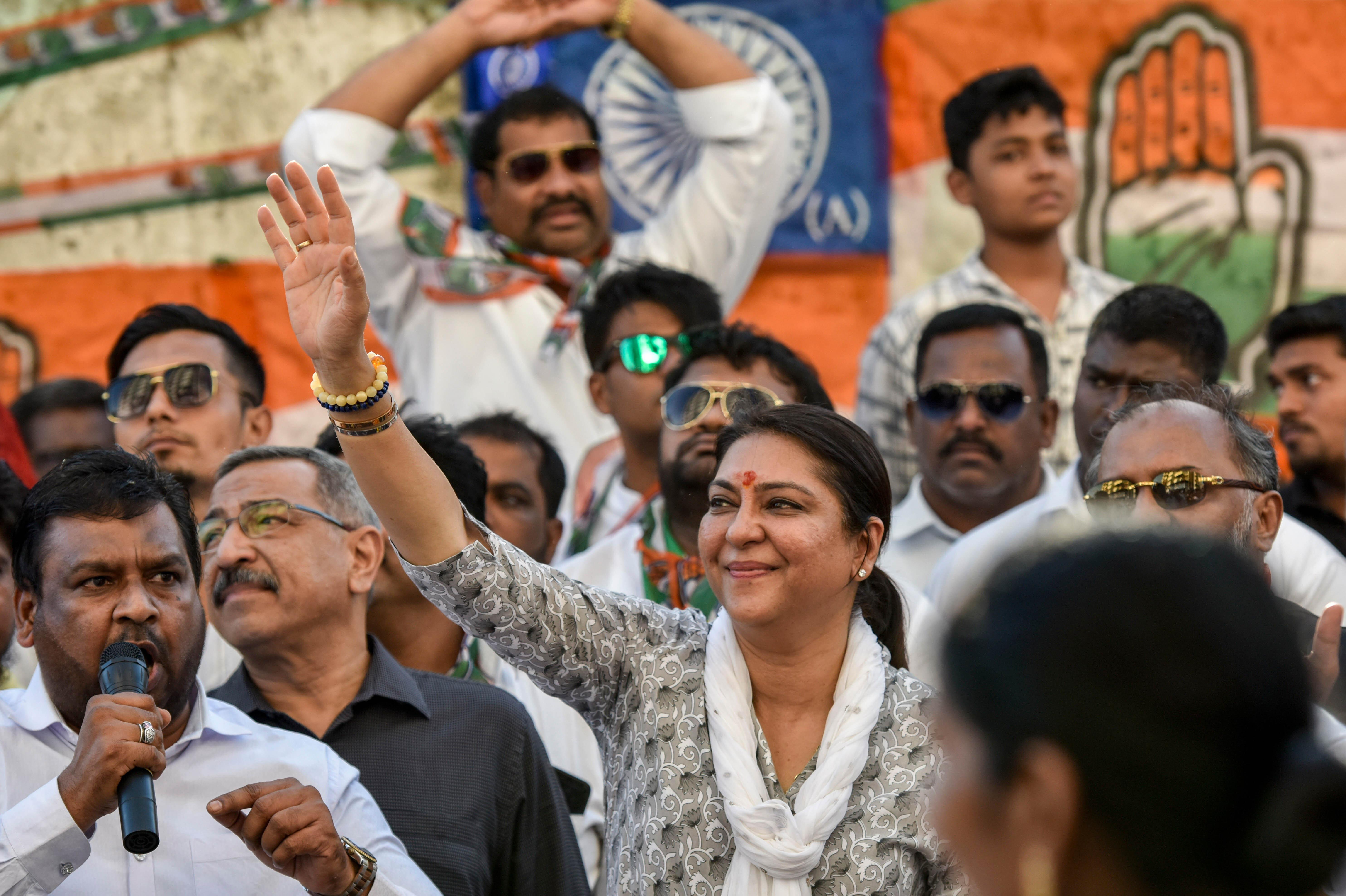Will Priya Dutt Wrest Mumbai North Central Back From Poonam