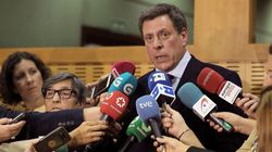 Juan Carlos Quer, a Sánchez e Iglesias: