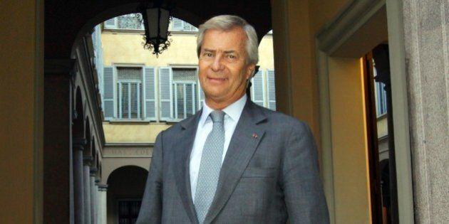 Mediaset, Vincent Bolloré punta sulla minoranza di blocco per commissariare Silvio Berlusconi durante...