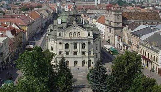 Fra queste 10 città finaliste c'è la capitale italiana della cultura