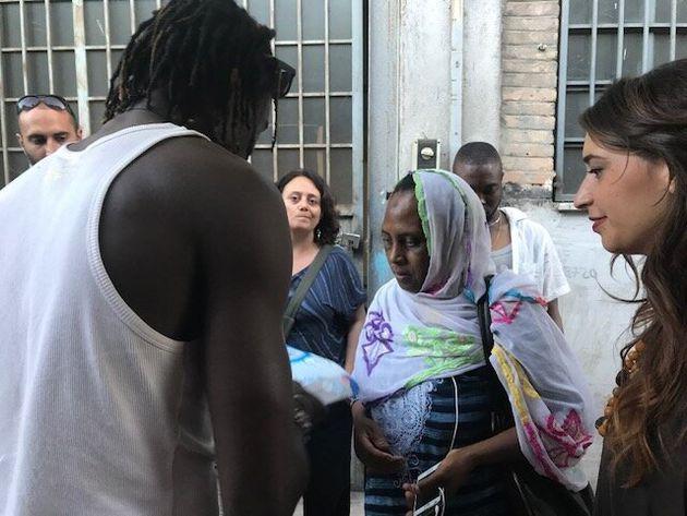 Nel campo di via Vannina a Roma i migranti non sono irregolari. Eppure vivono come delle bestie.