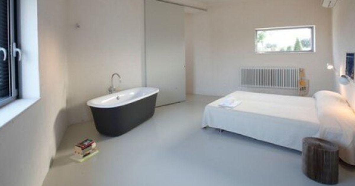 Vasca Da Bagno Filo Piano : Ti piace la vasca da bagno ma hai pochissimo spazio? lhuffpost