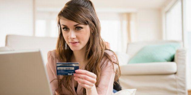 Ti hanno rubato o clonato il bancomat o la carta di credito? C'è qualcosa che devi sapere per