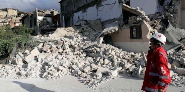 Terremoto, i soldi per il campanile di Accumoli usati per migliorie alla chiesa. L'inchiesta sui