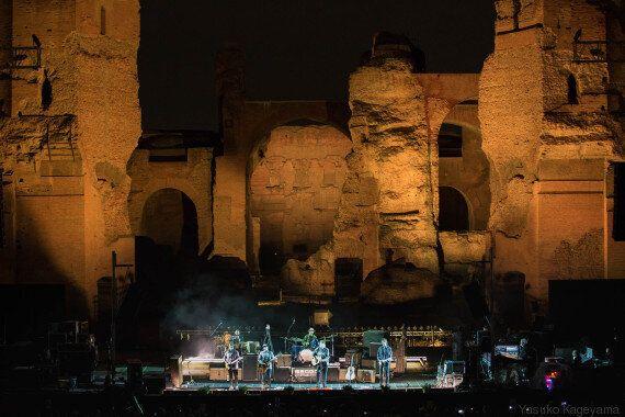 Neil Young, tre ore di rock puro alle Terme di Caracalla. E sogni la