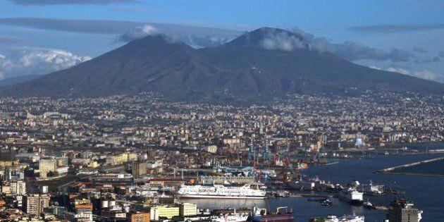Vincenzo De Luca annuncia il piano d'evacuazione per il rischio Vesuvio: