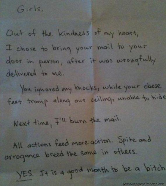 I 10 biglietti, scritti dai vicini, più passivo aggressivi di sempre. Li ha raccolti