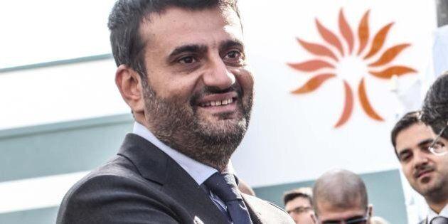 Antonio Decaro è il nuovo presidente dell'Anci. Federico Pizzarotti lo appoggia, i sindaci M5S si