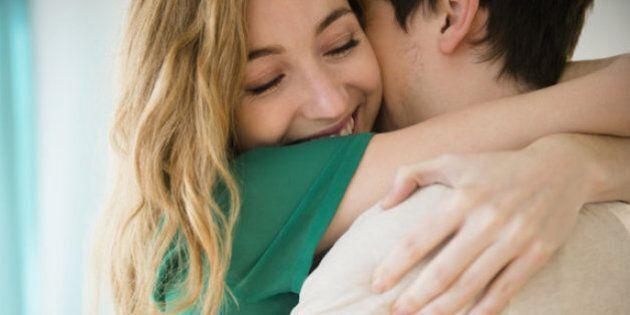 12 cose che le coppie felici fanno ogni