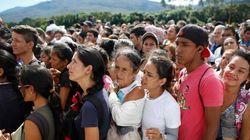 Oltre 100 mila venezuelani sconfinano in Colombia per acquistare beni di prima