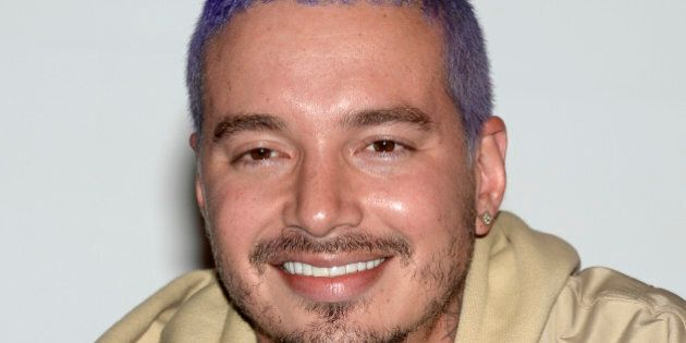 J Balvin esce illeso da un incidente aereo e posta su Instagram un video in cui rassicura i fan: