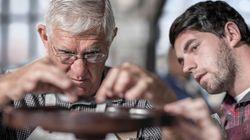 I vecchi lavorano, i giovani no. Sale l'occupazione tra gli over 50, cala per gli under