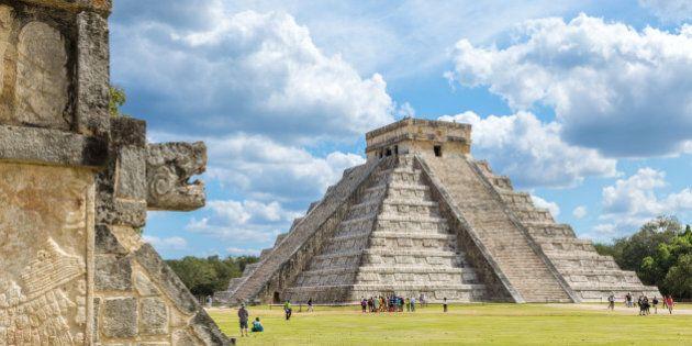 El Castillo (Temple of Kukulkan), Chichen Itza, Yucatan,