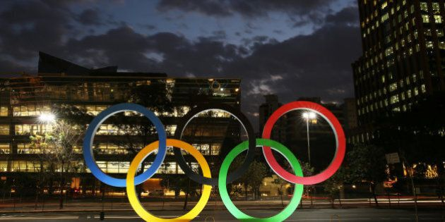 L'Isis chiama i lupi solitari per compiere attentati alle Olimpiadi di Rio: su Telegram un manuale su...