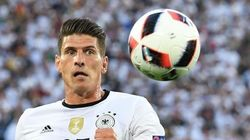 Il calciatore Gomez lascia la squadra turca del Besiktas per