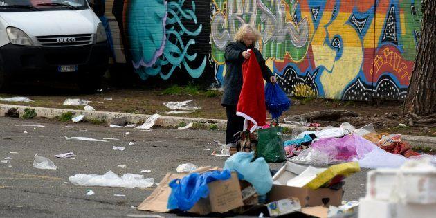 Istat: in Italia 4,7 milioni vivono in povertà assoluta. Giovani e famiglie con figli minori soffrono...