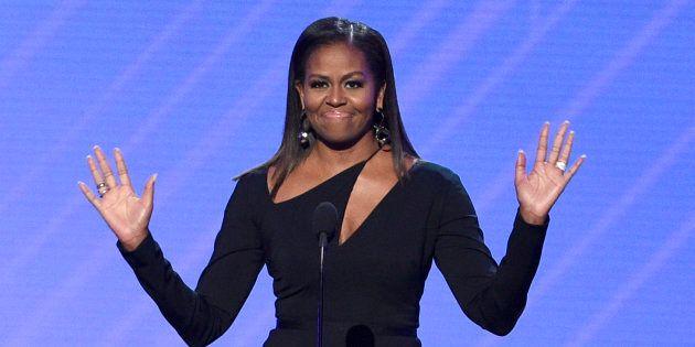 Michelle Obama ospite agli ESPY Awards negli Usa, il pubblico le tributa una standing