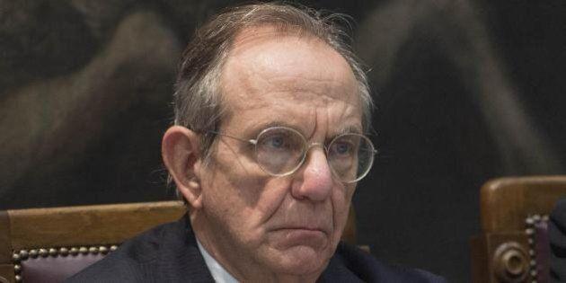 Mps, Pier Carlo Padoan a testa basta contro la Vigilanza Bce: