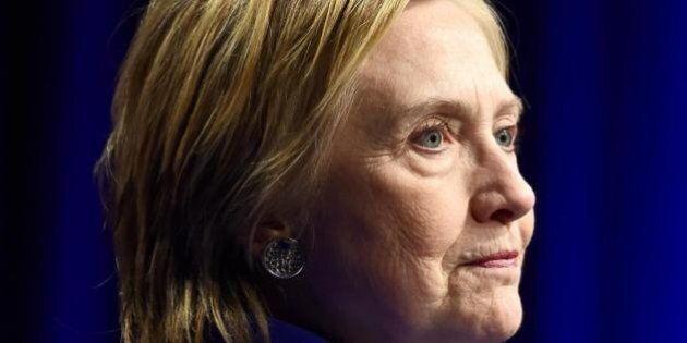 Il volto umano della Clinton, quando a un politico mancano le parole è il momento di