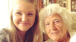 Il primo selfie di questa 91enne spiega che basta poco per aiutare gli anziani a sconfiggere la