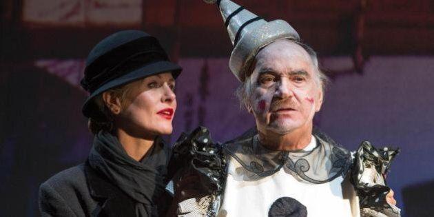 Quando il teatro si ispira al cinema, Chaplin torna in