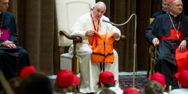 Papa Francesco crea un super-ministero per i migranti: