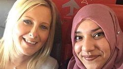 Si spaventa per la presenza della passeggera musulmana. Ma