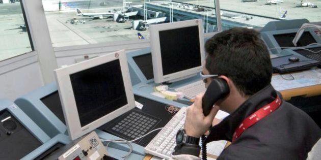 Sciopero trasporto aereo 23 luglio, il Tar annulla il differimento. Alfano minaccia lo stop. Poi i sindacati...