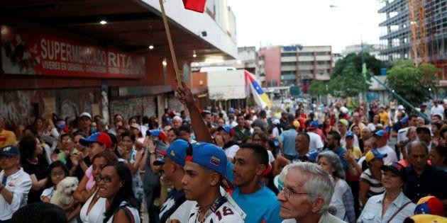 7 milioni di venezuelani contro Maduro, boom per la consultazione organizzata dalle