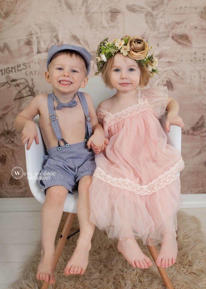 La foto di una mamma ai suoi gemelli è puro amore