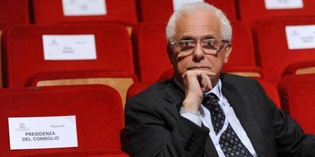 Equitalia, l'ex ministro Vincenzo Visco boccia lo stop deciso da Matteo Renzi: