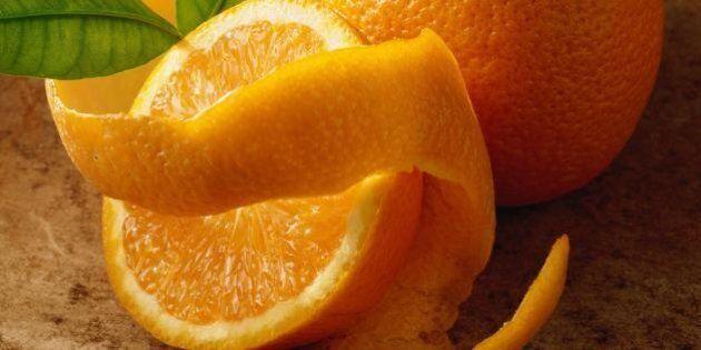 Bucce d'arancia dritte nella spazzatura? Ecco 5 modi ingegnosi di usarle. Faranno bene a te e alla