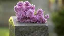 Ha pregato e portato fiori per 16 anni sulla tomba