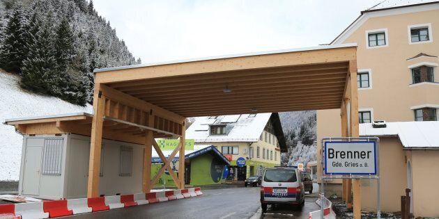 Il governatore del Tirolo minaccia i controlli al Brennero. Il ministro degli Esteri Kurz: