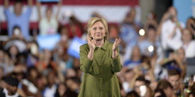 Hillary Clinton alla convention democratica di Philadelphia. Un messaggio di unità davanti a un partito...
