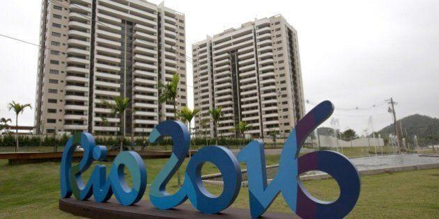 Rio 2016, il Villaggio Olimpico non è pronto. Coni appalta lavori per completare la palazzina Italia....