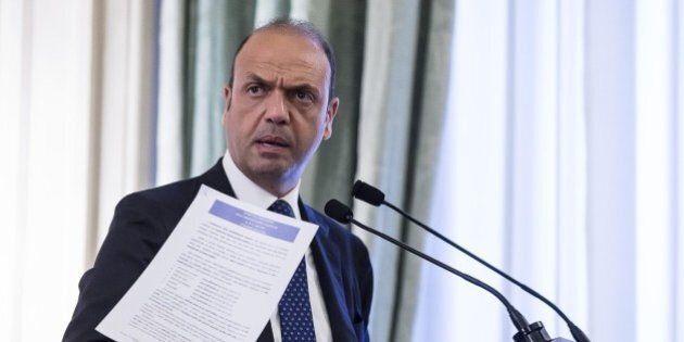 Angelino Alfano apre a Forza Italia per una casa dei moderati sul modello del Ppe, senza la