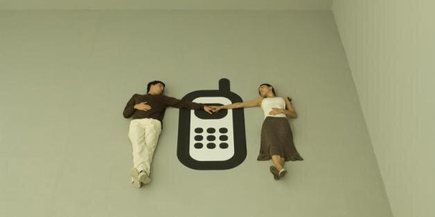 uscire con qualcuno in una relazione a lunga distanza