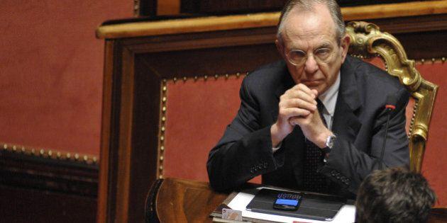 Legge di Bilancio, la forzatura di Renzi sul deficit inguaia Padoan e fa irritare