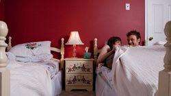 Queste tredici coppie (felici) dormono in letti separati. Ecco spiegato il